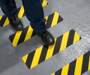 150mmx610mm hazard safety grip angle walking